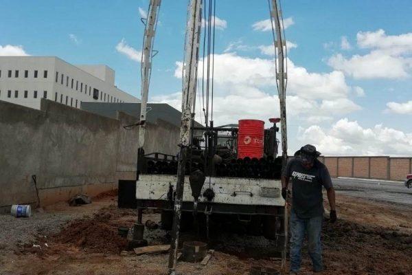 Instalación de equipo sumergible de pozo